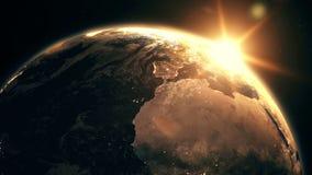 Сильно детальный реалистический былинный восход солнца над 3D анимацией земли планеты сток-видео