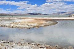 Сильно соляной Nak Ruldan озера в Тибете, Китае стоковое фото