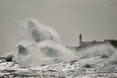 Сильные волны и маяк, Gran canaria Стоковое фото RF