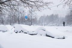 Сильный снегопад в улицах Москвы Стоковые Фото