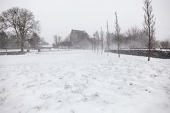 Сильный снегопад на замке Athenry Стоковая Фотография