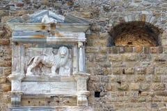 Символ Венеции на входе крепости Koules стоковое изображение rf