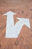 Символ движения стрелки на шестиугольном блоке стоковая фотография rf