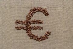 Символ евро сделанный от кофейных зерен Стоковые Изображения