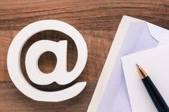Символ интернета значка электронной почты Стоковая Фотография RF