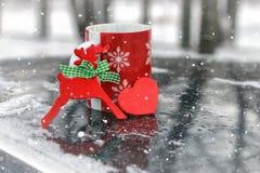 Символ сердца влюбленности и точности воспроизведения красного формирует как подарок на день валентинки Стоковые Фотографии RF