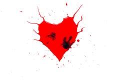 Символ сердца покрашенный с красной краской с рожками и черными падениями и spatter и выплеском вокруг изолированным на белизне Стоковые Изображения