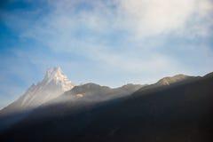 Символ Fishtail горы Непала Machhapuchhre Стоковое Изображение RF