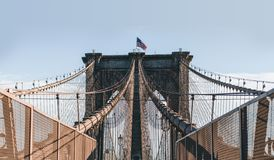 Симметрия на Бруклинском мосте, Нью-Йорк стоковая фотография rf