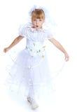 Симпатичная девушка в белом платье Стоковое фото RF