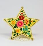 Симпатичная звезда сформировала орнамент рождества с красивой живописью и белыми шариками Стоковое фото RF