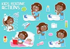 Симпатичная маленькая черная девушка и ее ежедневный режим Стоковое Фото
