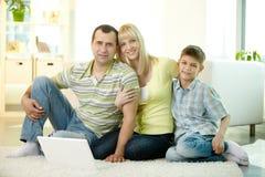 Симпатичная семья Стоковые Изображения