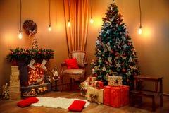Симпатичное рождество украсило комнату Стоковое Изображение RF