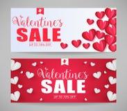 Симпатичные знамена продажи валентинок вектора с бумажными сердцами стиля Стоковое Изображение RF