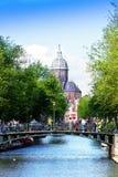 Симпатичные каналы в Амстердаме Стоковое Изображение RF