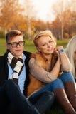 Симпатичные молодые пары студентов Стоковое Изображение