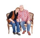 Симпатичные старшие пары в кресле стоковое фото rf