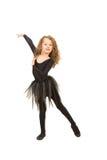 Симпатичные танцы маленькой девочки стоковые фотографии rf