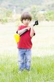 Симпатичный засаживать мальчика Стоковое Фото