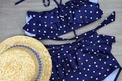 Симпатичный купальник бикини, милый swimwear талии точки польки высокий стоковое фото rf