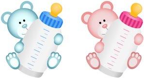 Симпатичный плюшевый медвежонок младенца с бутылкой младенца Стоковые Изображения RF