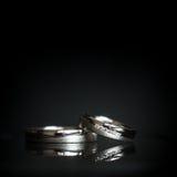 2 симпатичных золотых обручального кольца Стоковая Фотография RF