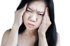 Симптом головной боли в женщине изолированной на белой предпосылке Clippi стоковые фото