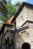 Синагога Klaus в Праге стоковые фотографии rf