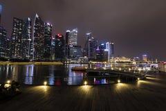 СИНГАПУР, 10-ое декабря 2017: Горизонт финансового района Singapore's Стоковые Фотографии RF