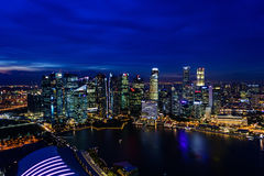 СИНГАПУР - 22-ОЕ НОЯБРЯ 2016: Залив Марины зашкурит курортный отель на n Стоковое Изображение RF