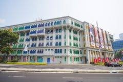 СИНГАПУР, 13-ОЕ ОКТЯБРЯ 2015: красочный СЛЮДЫ строить его был kn Стоковое фото RF