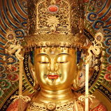 Сингапур - 16-ое октября 2015: Портрет главной статуи Будды в виске реликвии зуба Будды Стоковое Фото