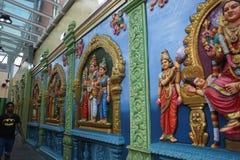 Сингапур 10-01-2018 сцен и божества индусского виска стоковое изображение