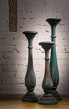 3 сине-серых винтажных деревянных подсвечника Стоковое Фото