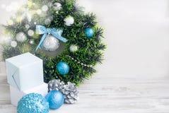 Синь венка рождества, серебр и белый цвет Стоковая Фотография