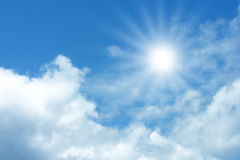 синь заволакивает небо Стоковые Фото