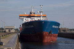 Синь и оранжевый корабль Стоковое Изображение