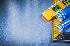 Синь blueprints правитель конструкции ровный квадратный на металлической задней части Стоковое Изображение RF