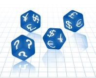 синь dices с символами валюты Стоковые Фотографии RF