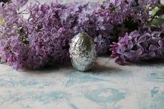 Сирень и яичко стоковое изображение rf
