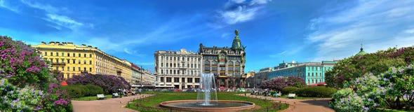 Сирень на бульваре Nevsky Стоковая Фотография RF