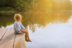 Сиротливый малый мечтать девушки Стоковая Фотография RF
