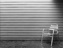 Сиротливый стул стоковая фотография rf