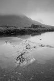 Сиротливая кабина берега реки Стоковое фото RF