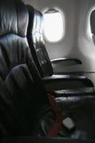 Сиротливое перемещение самолетом где-то, путешествие для дела самолетом и видят из окна самолета, взгляда неба самолета Стоковые Изображения RF