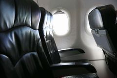 Сиротливое перемещение самолетом где-то, путешествие для дела самолетом и видят из окна самолета, взгляда неба самолета Стоковое Изображение RF