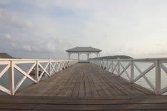 Сиротливый день на мосте Assadang, остров Srichang, Chonburi, Таиланд Стоковые Фото