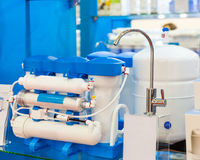 Система водяного фильтра или осмоз, очистка воды стоковое фото rf