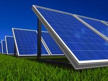 система солнца зеленых панелей энергии солнечная Стоковые Изображения